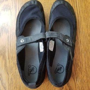 Merrell Pure Glove Black  Performance Footwear SZ8